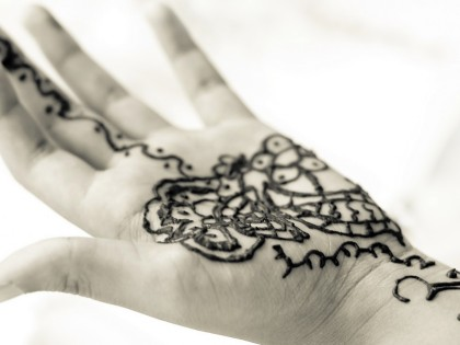 Black Henna: Temporary Tattoos that Scar